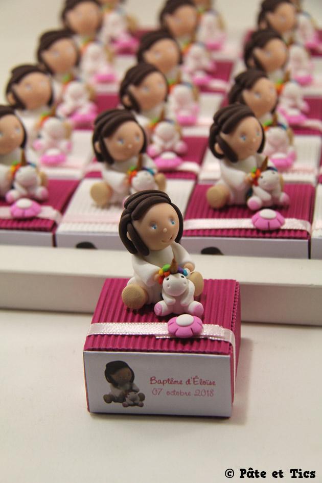 Boîtes à dragées petites filles et leurs licornes