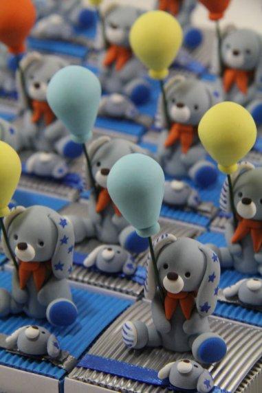 Boîtes à dragées peluches doudous lapins ballons