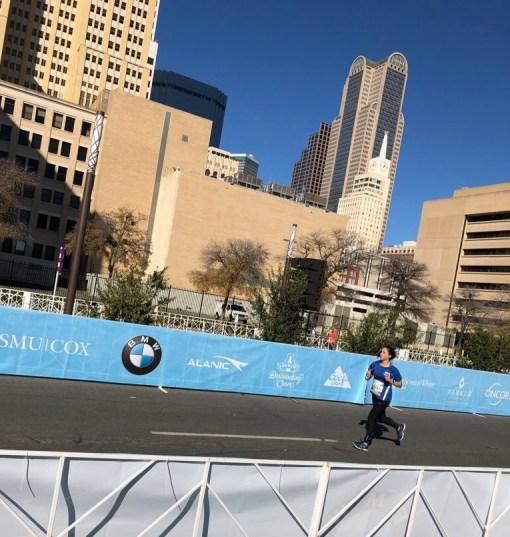 runner in dallas marathon