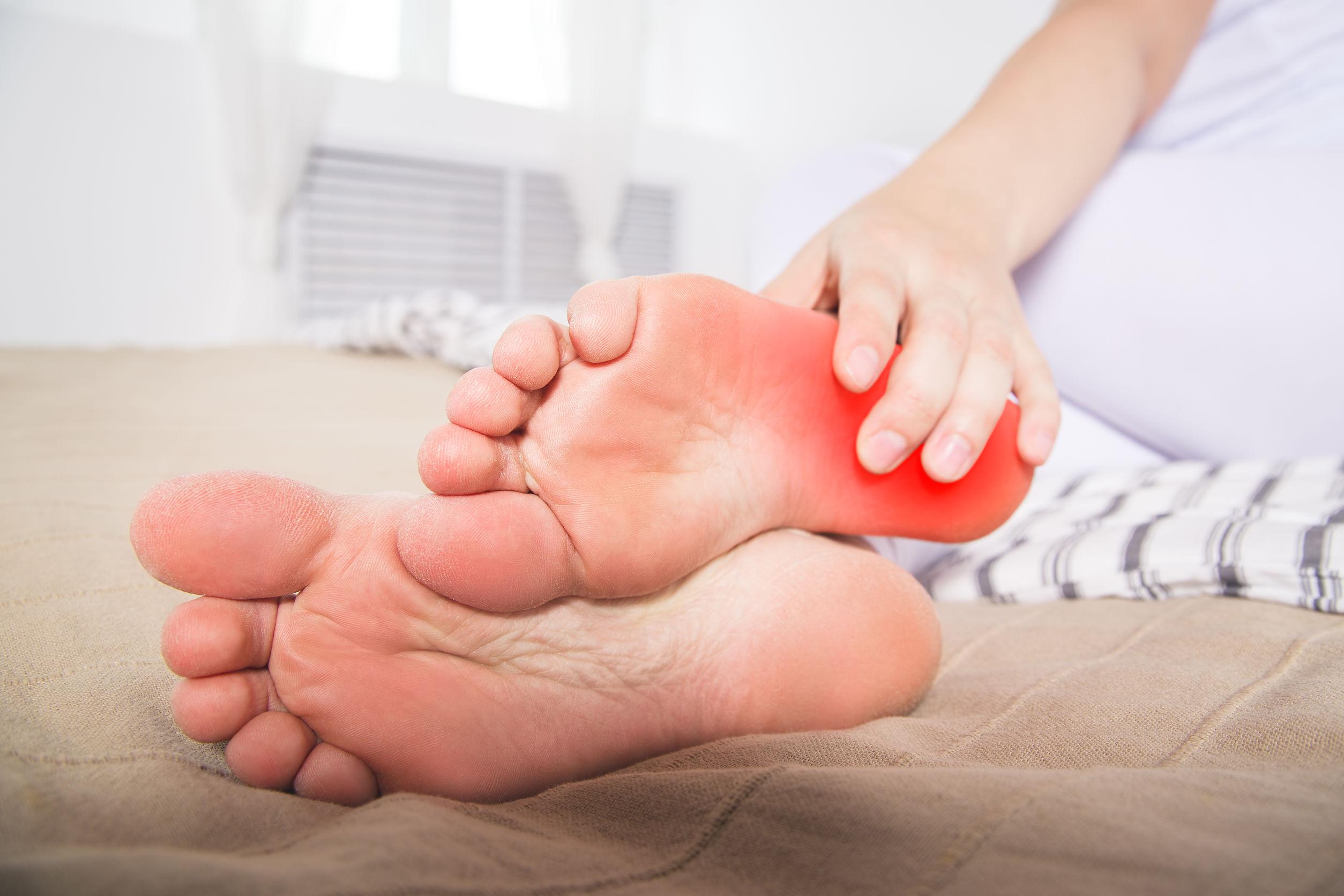 A lábfájdalom és a kezelési módszerek okai - Masszázs