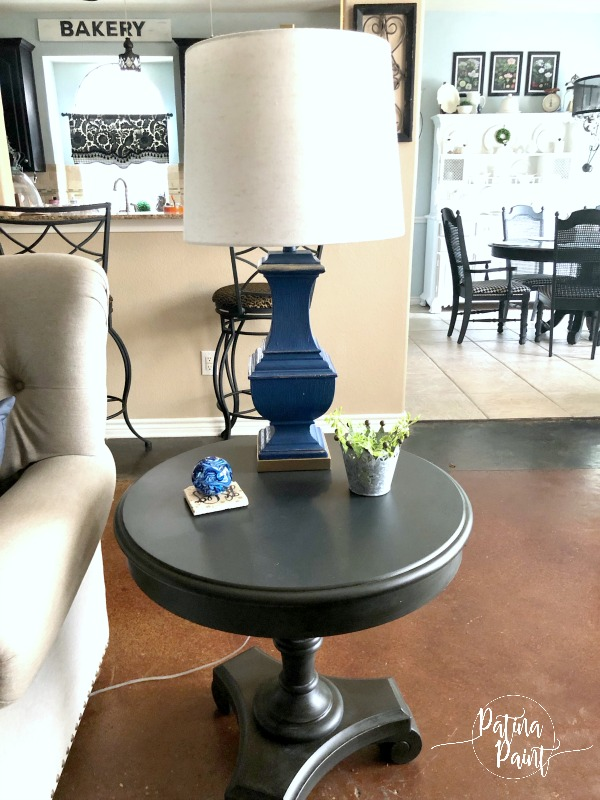 end table, blue lamp