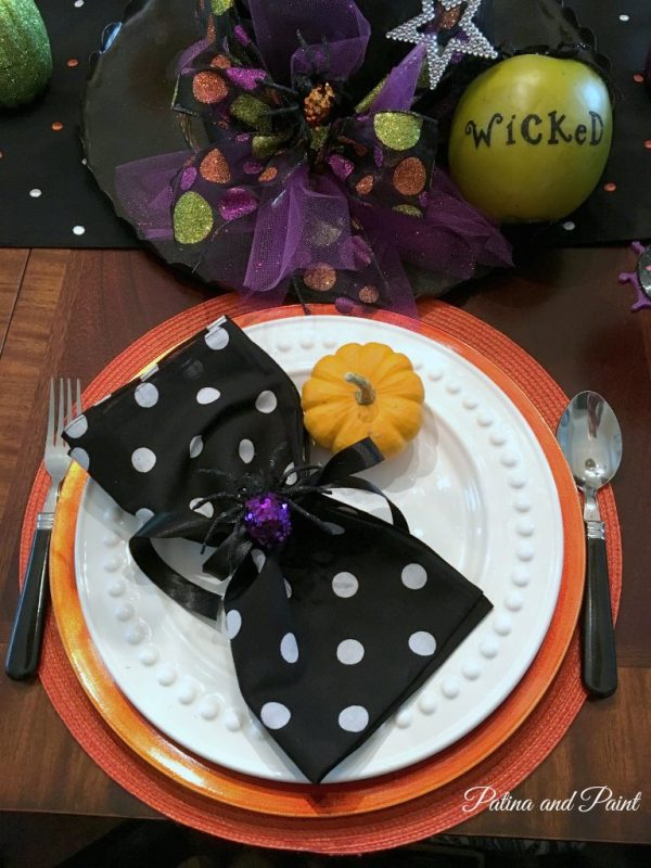 Halloween table 2