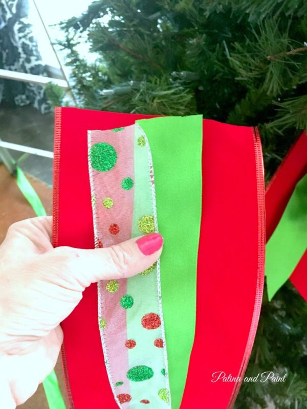 how-to-put-ribbon-on-your-christmas-tree