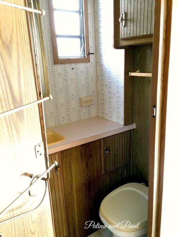 Ryan's RV Bedroom and bathroom .6
