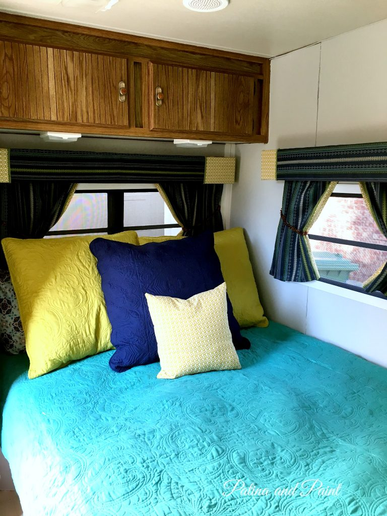 Ryan 39 S Rv Bedroom And Bathroom Patina And Paint