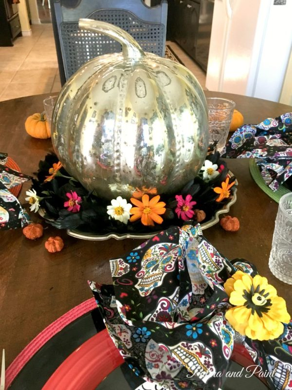 sugar-skull-halloween-table-8