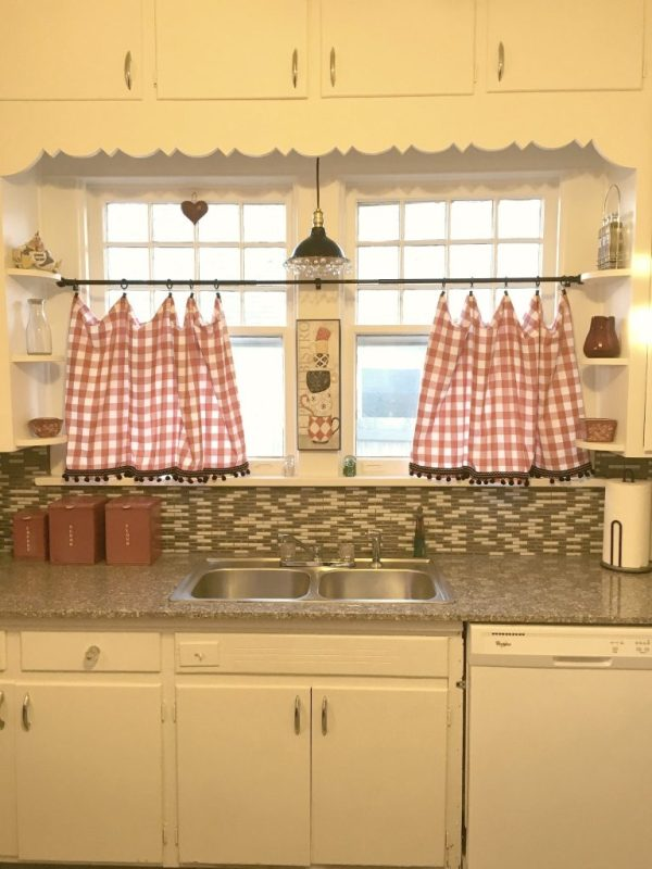 bungalow kitchen 13