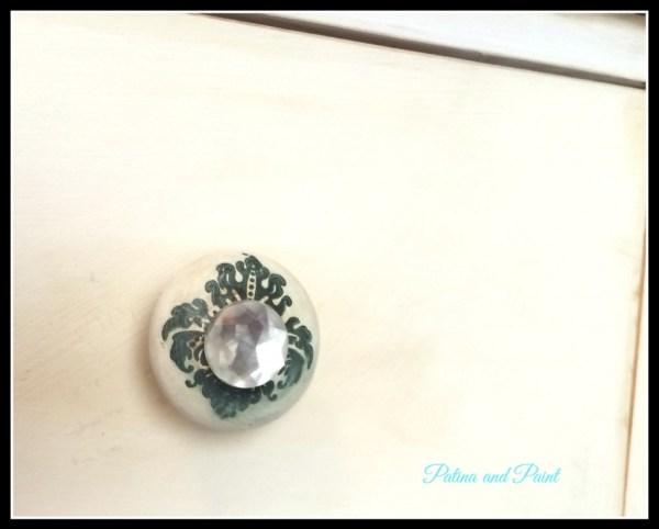 dresser knob 7