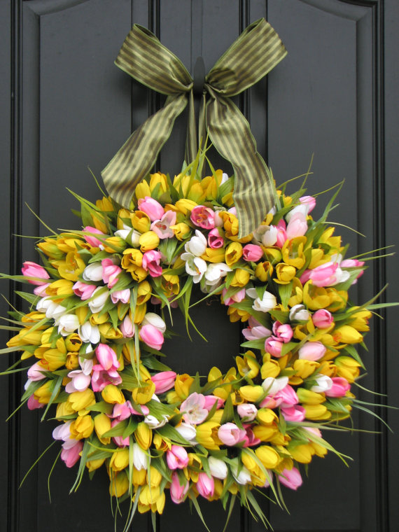 WC tulip wreath