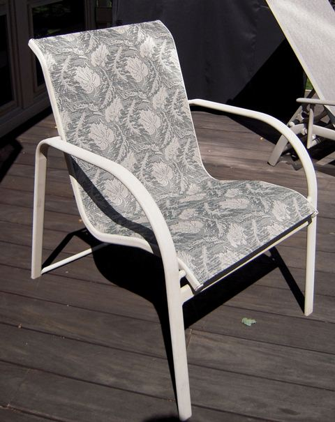 This image has an empty alt attribute; its file name is winston-patio-sling-fabric-CR-amelia-1.jpg