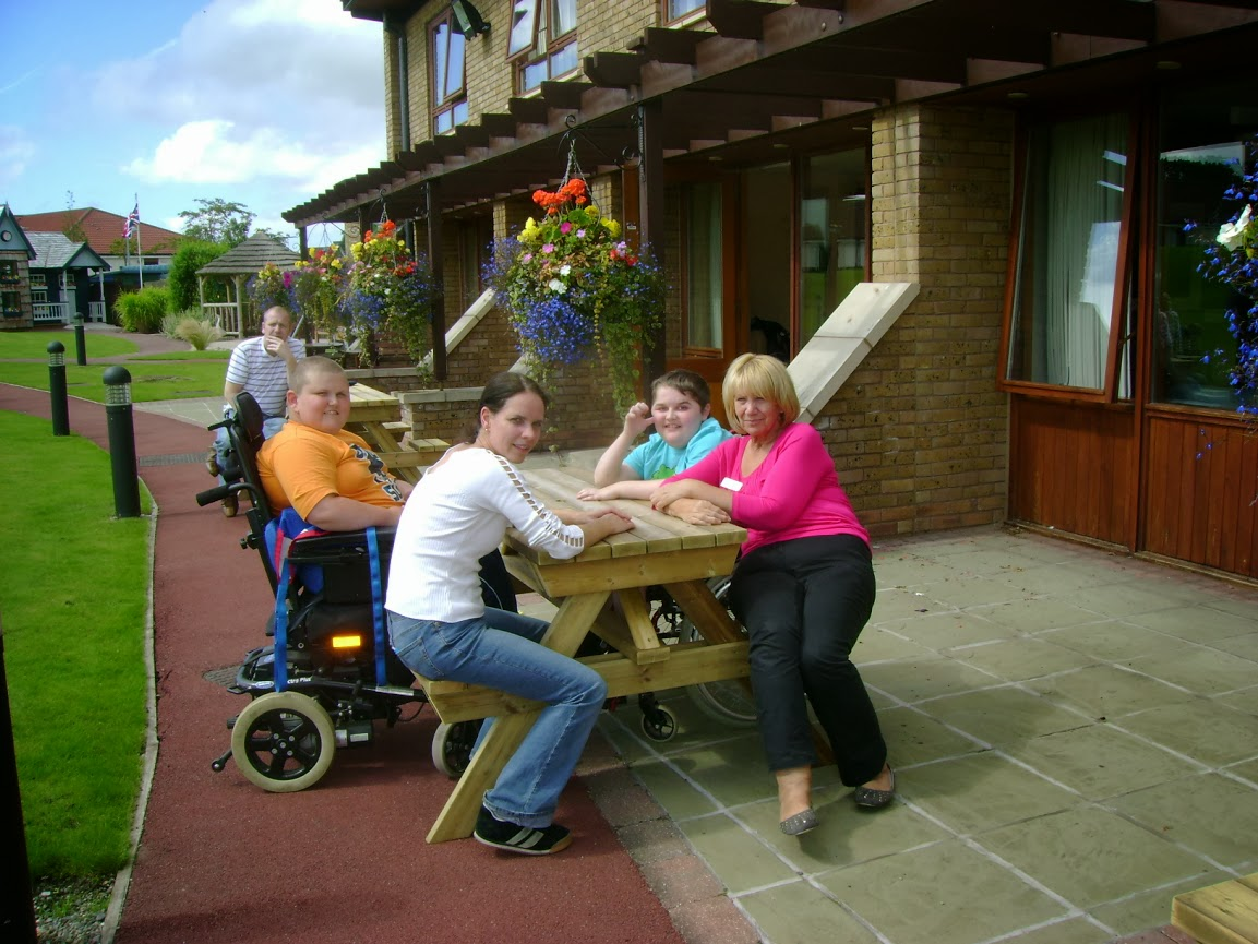 outdoor chair for elderly knoll dining chairs wheelchair accessible furniture