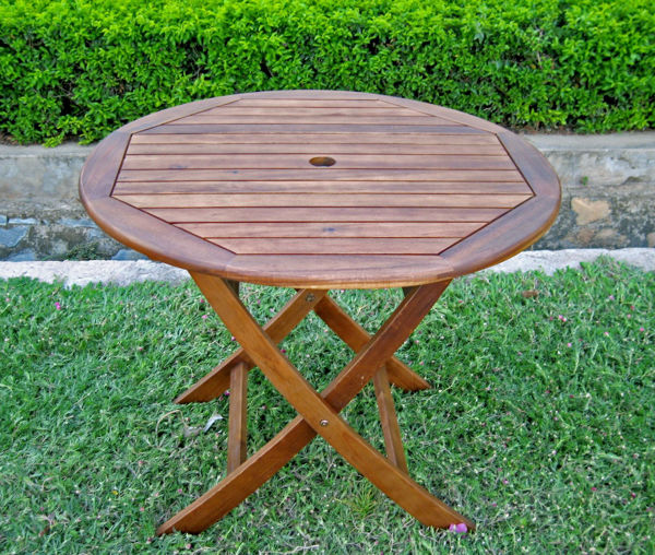 38 round folding table with curved legs brown