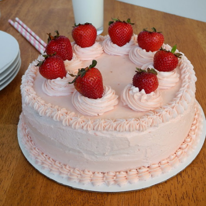 Best Delivery Cake Patna Fresh Strawberry Cake Delivery