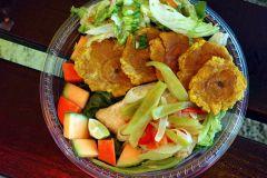 Fish, plantains and salad at San Jacinto