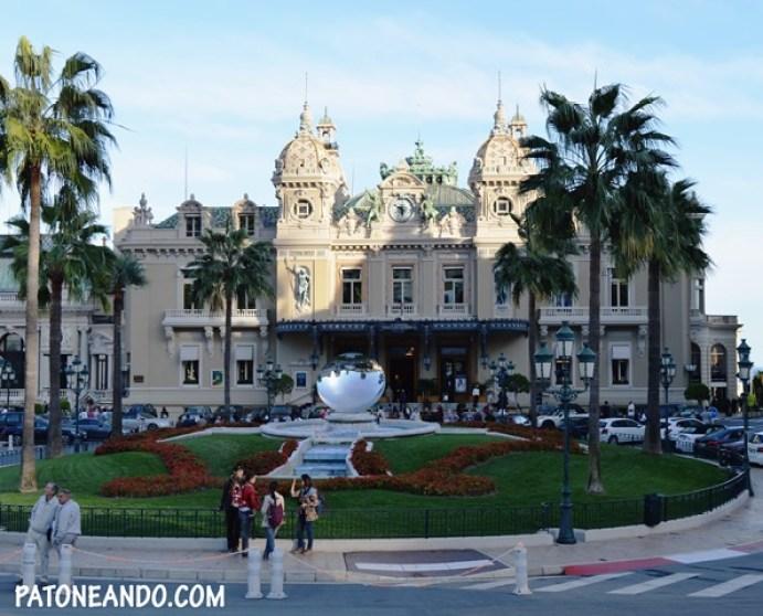 La fachada del casino Montecarlo