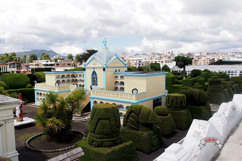 frontera con Ecuador-Cementerio de Tulcán-Patoneando-blog-de-viajes-6.jpg