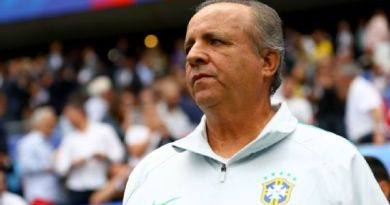 Ex-técnico de Corinthians, São Paulo e seleção feminina, Oswaldo Alvarez, o Vadão, morre aos 63 anos