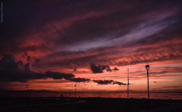 To ηλιοβασίλεμα της Πάτρας έχει το χρώμα της Ανάστασης (pic)