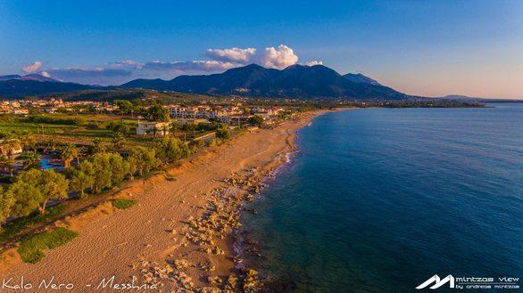 Ταξίδι με drone σε ένα όμορφο παραθαλάσσιο χωριό της Δυτικής Πελοποννήσου!