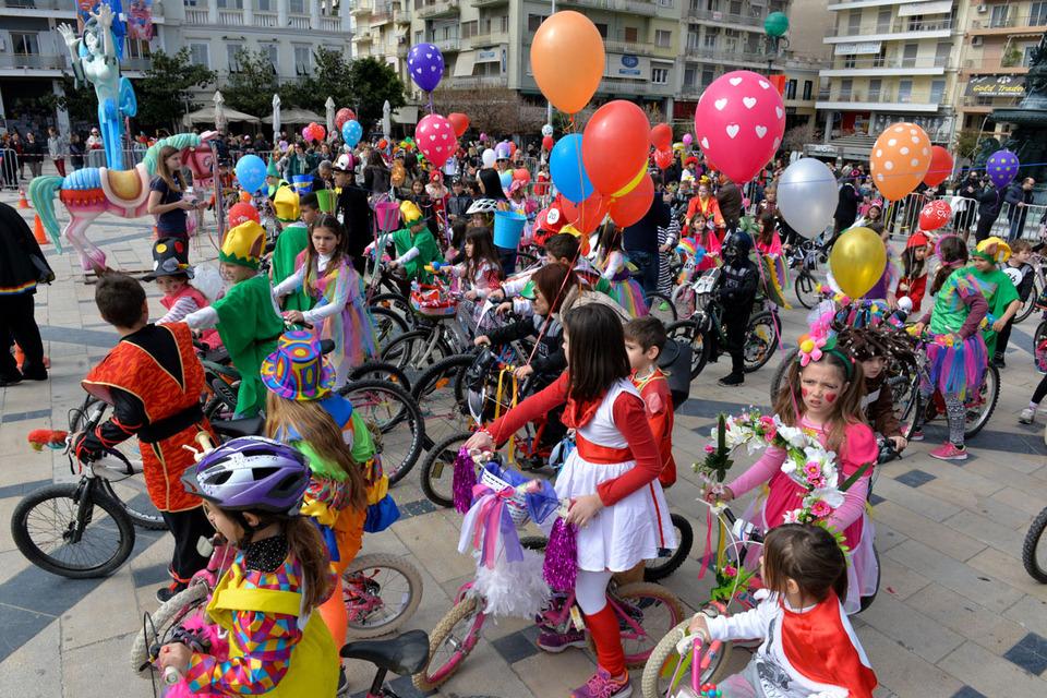 Αποτέλεσμα εικόνας για Πατρινό Καρναβάλι 2017 - Η Παρέλαση των Μικρών