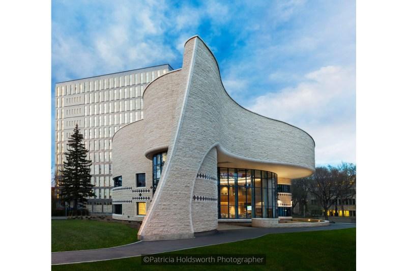 Gordan Oakes Red Bear Student Centre_7233