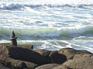 rocks-waves-yacht-2016