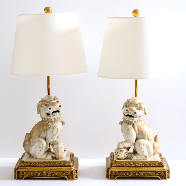Chinoiserie Foo Dog Porcelain Table Lamps on Bronze Stands, A-Pair