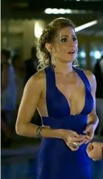 vestido azul deborah secco agilita insensato coracao1 - Os Vestidos de Natalie Lamour