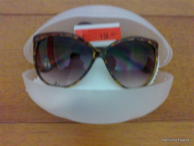 18102011457 - Extra... Extra... Óculos Escuro na C&A por R$ 19,90