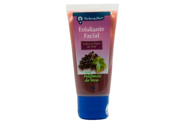Esfoliante Facial   - Quatro passos para manter a pele limpa e longe da oleosidade