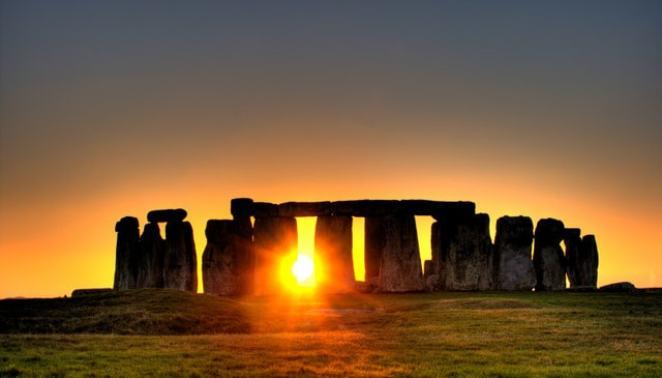 Stonehenge sun - Um Brinde Ao Verão e a Vida Nova Que Se Inicia!