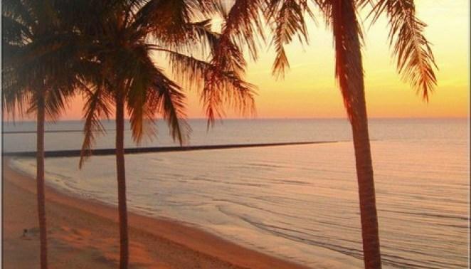 praia ao por de sol - Um Brinde Ao Verão e a Vida Nova Que Se Inicia!