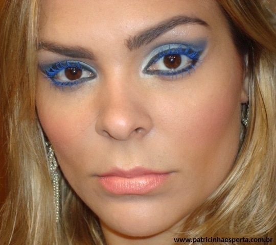 017post - Maquiagem para noite com rímel azul