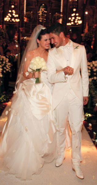 sthefanybritovestidodolcegabbana - Os vestidos de noiva das famosas (parte 2)