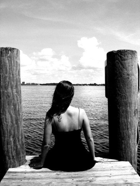 mulher de costas - Relato De Uma Mulher Que Ama Demais
