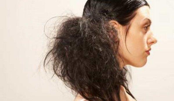 cabelos danificado 1 - Reconstrução Endurece o Cabelo?