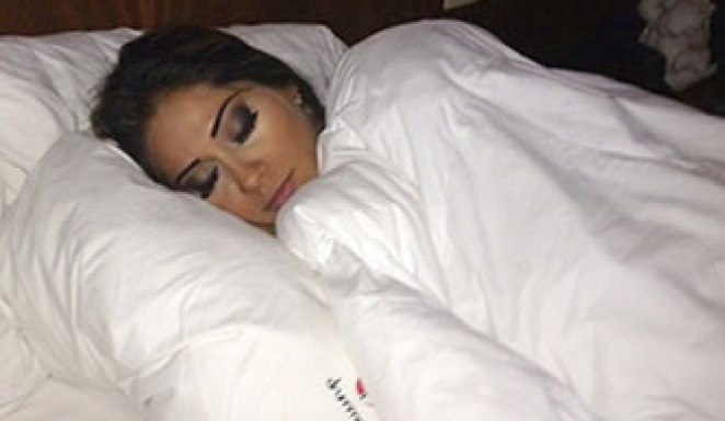 gifwrap - Por Que Remover A Maquiagem Antes de Dormir?