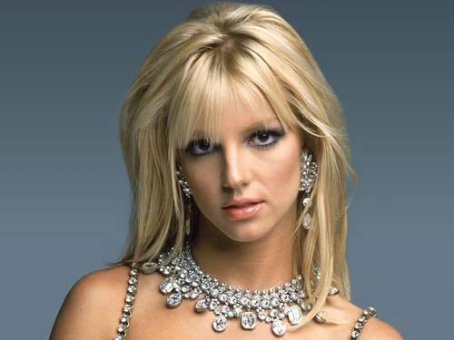 segredos maquiagem britney - Conheça os segredos de maquiagem de: Angelina Jolie, Britney Spears e Gisele Bündchen