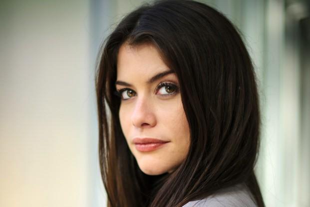 alinne moraes - Saiba como Alinne Moraes sempre está com o cabelo brilhante