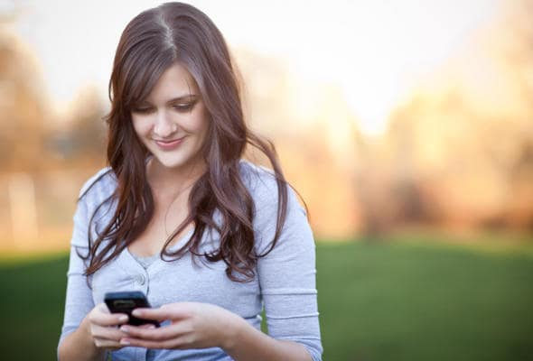 celu post - Você É Viciada no Celular?