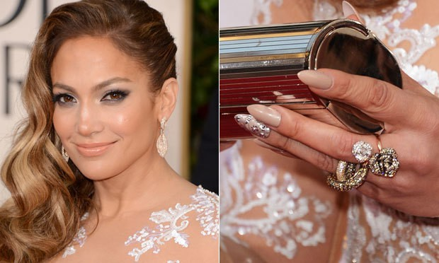 Decoradas com joias - Unhas decoradas: os 5 modelos mais usados pelas famosas