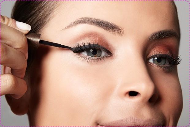 como passar delineador - Existe maquiagem ideal para o dia?