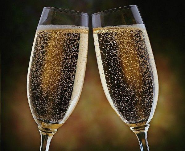 11049866 champanhe - Remédio luxuoso: champanhe ajuda a ativar a memória