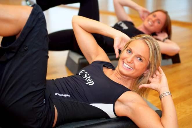 bigstock Women exercising in a fitness 25507589 - Qual o melhor horário para praticar exercícios?