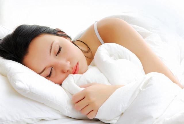 girl sleeping 1 - Qual o melhor horário para praticar exercícios?