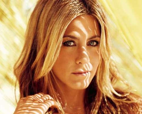 htr9VUF - Conheça os segredos da pele de Jennifer Aniston