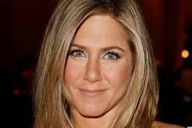 images 22 - Conheça os segredos da pele de Jennifer Aniston