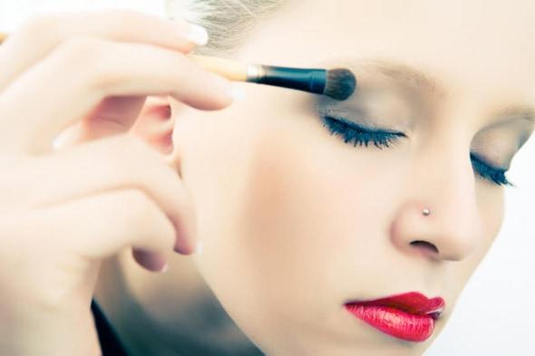 mulher maquiagem olhos2 - Viva a liberdade para se maquiar!