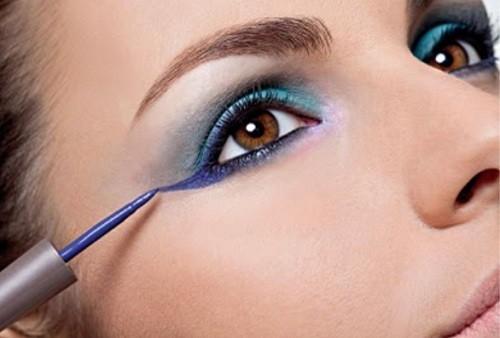 Mulher com maquiagem nos olhos - A Maquiagem Certa Para Valorizar Cada Tipo de Olho!