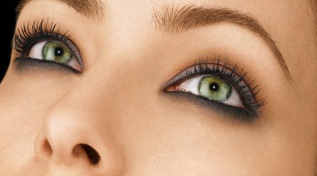 maquiagem olhos verdes - Combine a cor da maquiagem com a íris dos seus olhos